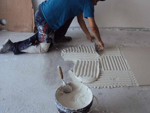 Assentar Ceramica Piso