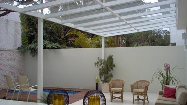 telha-policarbonato-telhado-cobertura-translucida-construcao-casa-pedreirao