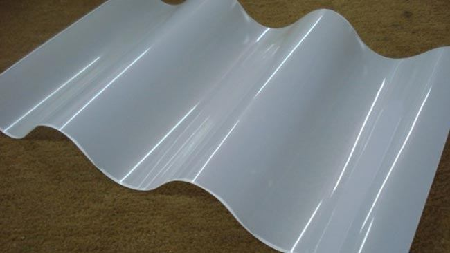 telha-polipropileno-telhado-transparente-translucida-construcao-casa-pedreirao