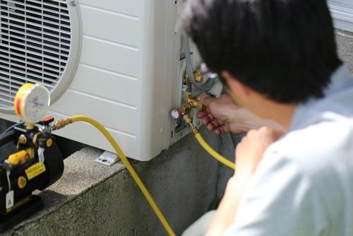 instalacao-ar-condicionado-split-gas-casa-pedreirao